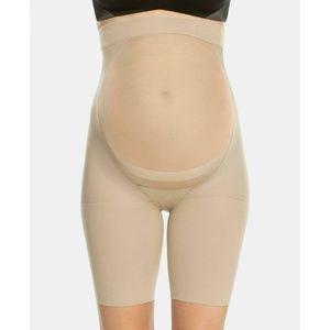 Spanx Women's Mama Maternity Shorts 163 Bare B